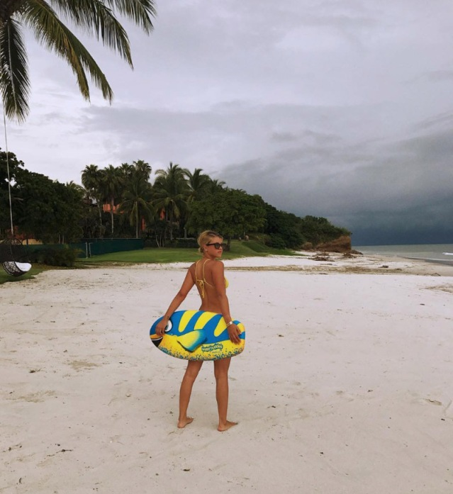 sofia-richie-bikini-pics-sexy-5