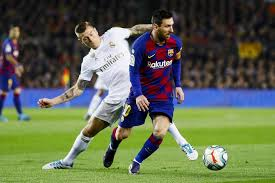 Barcelona and Real Madrid ready to take La Liga title battle